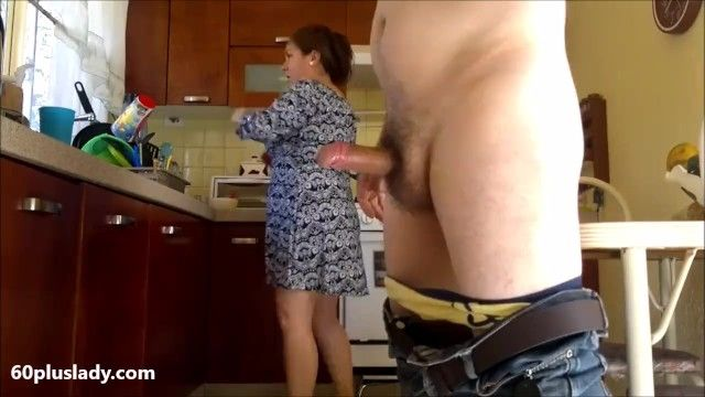 Large lalin girl granny pumped in the kitchen