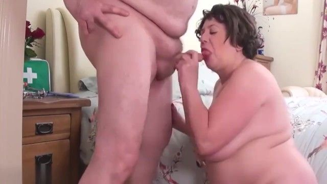 Immodest doctor bonks his bbw wicked nurse aged str8 daddy