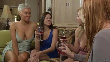 Lesbo step sisters have feelings - girlfriends films