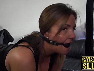 La milf sienna hudson dai grossi seni riceve il suo buco in faccia e il cazzo bagnato