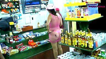 La milf danna sexy caminando desnuda en publico por calles de cancún mexico